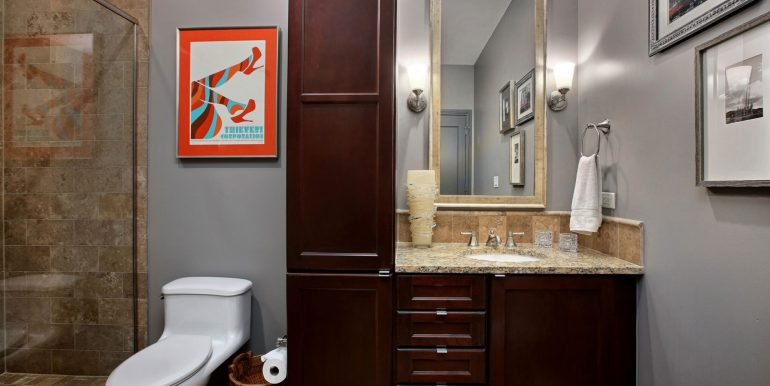 2nd-Bathroom_SMALL-FOR-MLS-UPLOAD